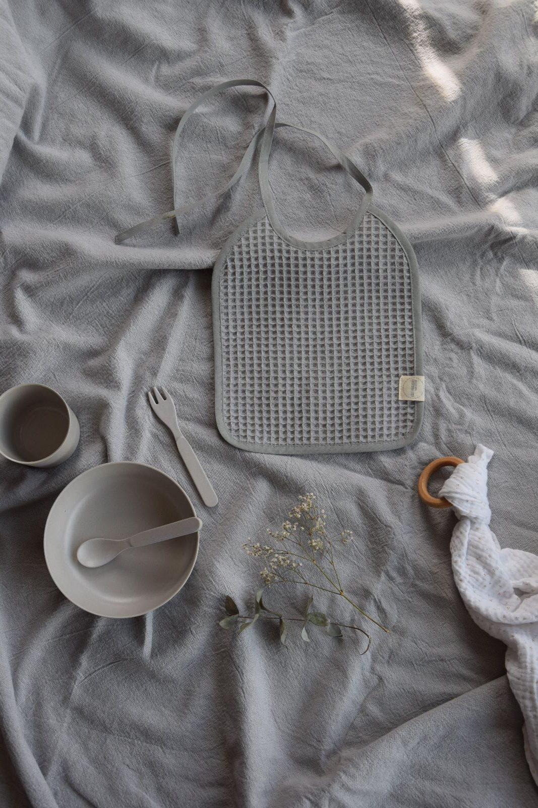 Babylätzchen in grau