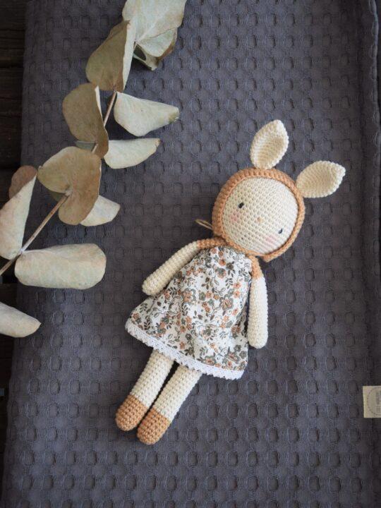 Puppe auf der Decke