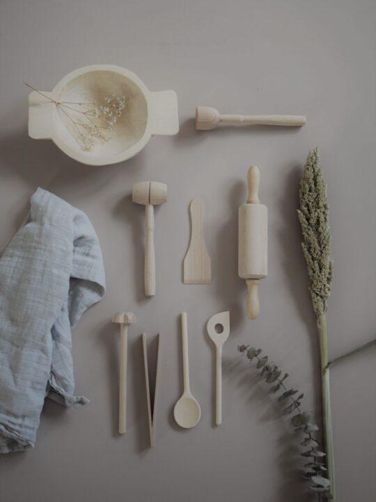 Kinderküchenset aus Holz